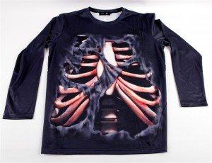 "T-shirt gothique Black Sugar motif ""Cage thoracique"" , 29€."